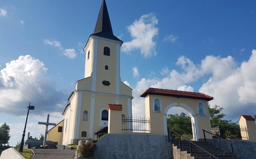 Kapela Majke Božje Snježne u Strmcu